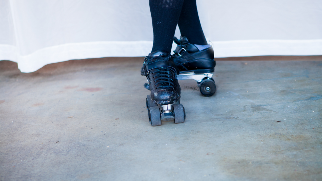 how to roller skate backwards
