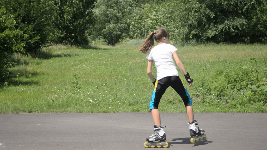 transition from forward to backward roller skating