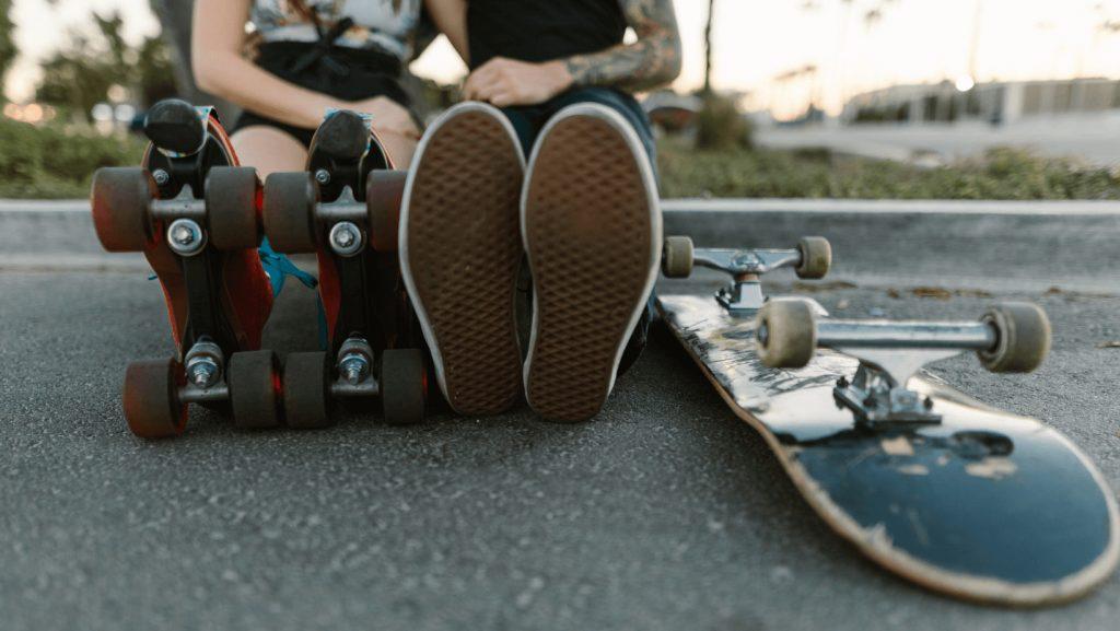 Rollerblading vs Skateboarding
