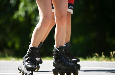 How to Keep Ankles Straight When Rollerblading